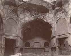 Interior of the Dressing Room of Hakim's Baths, Fatehpur Sikri 1003563